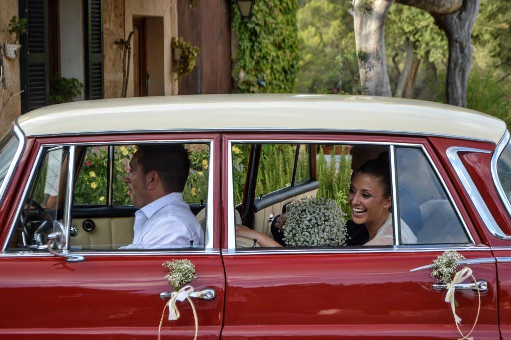 coche con novia boda
